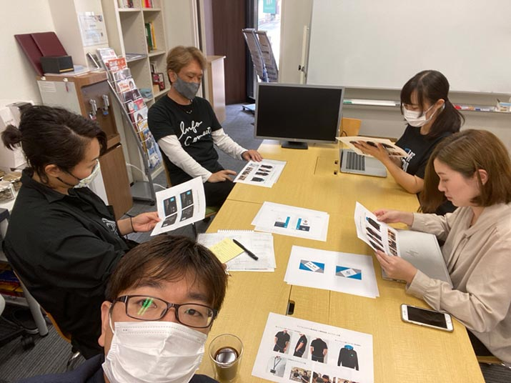 社内名刺デザインコンペ開催&タケガワふれあい動物園訪問記