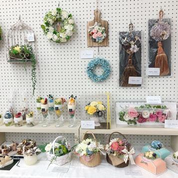 かわいい花雑貨で癒されて♪ロビー展のお知らせ@百五銀行駅前支店
